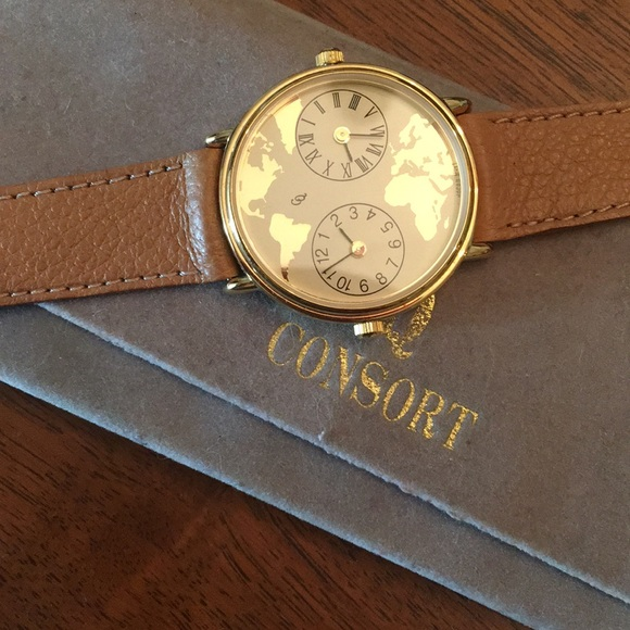 NWT Consort leather world map watch